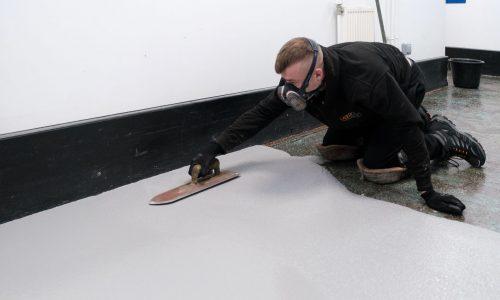 Laying Pumadur HF heavy duty resin flooring